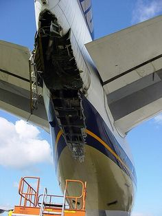 Singapore Airlines B747-400 Tail Damage After Over Rotating, Auckland International Airport 2003