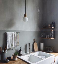 : 30 Designs Perfect for Your Little Kitchen area kitchentable kitchendesign k Kitchen Ikea, Black Kitchen Cabinets, Kitchen Cabinet Design, Home Decor Kitchen, Apartment Kitchen, Kitchen Walls, Kitchen Sink, Modern Kitchen Interiors, Luxury Kitchen Design