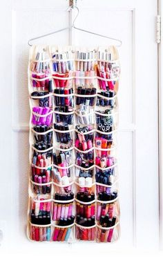 Small Bedroom Storage Hacks - Clever Storage Ideas for Small Bedrooms Makeup Organizing Hacks, Diy Makeup Organizer, Lipstick Organizer, Makeup Storage Organization, Home Organization Hacks, Shoe Organizer, Organizing Ideas, Diy Shoe Storage, Storage Hacks