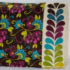 Moda Fabrics Fabric Used: SoHo Chic by Sandy Gervais Download the free feather applique pattern here: http://www.allpeoplequilt.com/millionpillowcases/freepatterns/Pillowcase-37.pdf