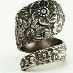 """<3 Floral Sterling Silver Spoon Ring Made by Spoonier ! ! """"I have a hand-maid bracelet with the floral pattern that I inheritated from my mother["""