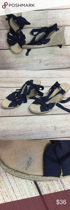 TOMMY HILFIGER Shoes Womens 7.5 Wedge Espadrille TOMMY HILFIGER Women's Heels Sandals  Size: 7.5M  Material: Textile  Color: Navy Blue  Condition: new without box, has a mark - please see pictures  A7019zkE Tommy Hilfiger Shoes Sandals