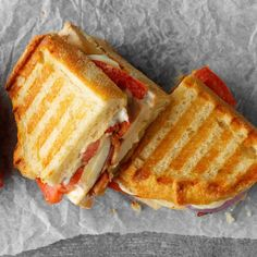 Great Snap Shots Rotisserie Chicken Panini Concepts Today I'm going showing you steps to make the traditional club sandwich. This double decker meal Roast Pork Sandwich, Panini Sandwiches, Wrap Sandwiches, Sandwich Recipes, Best Panini Recipes, Turkey Panini, Chicken Panini, Rotisserie Chicken, Grilled Chicken