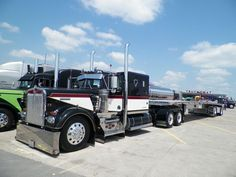 Custom Kenworth Conventional with a Custom Sleeper