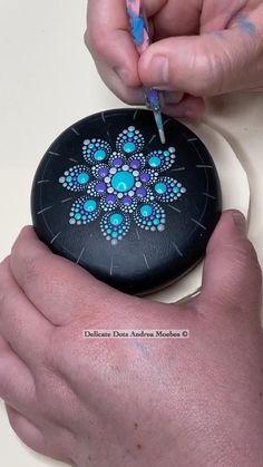 Dot Painting Tools, Dot Art Painting, Mandala Painting, Mandala Drawing, Pebble Painting, Painting Tips, Stone Painting, Dot Painting On Rocks, Mandala Painted Rocks