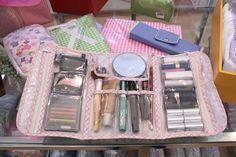 El ordenador de maquillaje Encuentra todo lo que necesites para empacar, ordenar y acomodar, en muchos colores y diseños....tidyup.latienda@gmail.com.tel 55 52475213 https/:www.facebook.com/tidyuplatienda