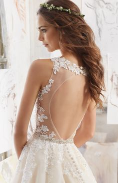 Read More on SMP: http://www.stylemepretty.com/2016/12/07/searching-for-the-perfect-lace-bridal-gown-we-found-it/