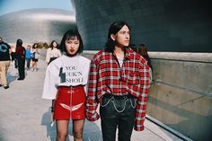 Nicholas from Garbagelapsap brings us a selection of the best looks photographed in the streets of Seoul during the second day of Seoul Fashion Week, in exclusive for Fucking Young!