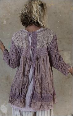 top Ramie Nanette in La vie en Rose - Boho-Chic Clothing Shabby Chic Outfits, Vintage Outfits, Funky Outfits, Layering Outfits, Magnolia Pearl, Altered Couture, Bohemian Mode, Bohemian Style, Bohemian Gypsy