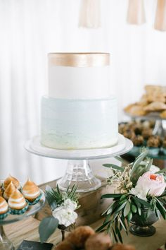 metallic beachy blue wedding cake, photo by Beaux Arts Photographie #weddingcake #cakes #beachwedding