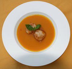 Kürbissuppe mit Ingwer und Kokos