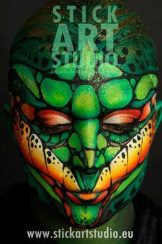 Realizado por Corinne Perez, directora de Stick Art Studio, escuela de maquillaje artístico y profesional.  Barcelona, España.