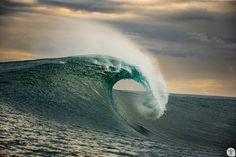Waves After Waves, Big Waves, Ocean Waves, Drops In The Ocean, Sea And Ocean, Waves Plugins, Ocean Video, Big Wave Surfing, Waves Wallpaper