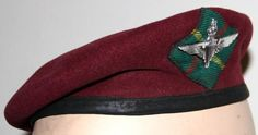 BRITISH 15 PARA (T.) BERET Very rare post beret to this Glasgow Territorial Btn. of the Parachute Rgt. C/w it's cap badge and unique tartan patch. Army Beret, Thriller Novels, Berets, Paratrooper, British Army, Glasgow, Badges, Cake Ideas, Tartan