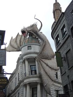 White dragon over a building. Fantasy art White dragon over a building. Fantasy Dragon, Dragon Art, Fantasy Art, Dragons, Arte Peculiar, Dragon's Lair, White Dragon, Magical Creatures, Beautiful Buildings
