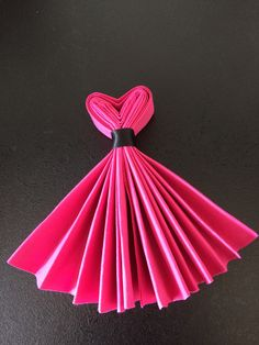 Best DIY Napkin Folding Tutorial Ideas – Home and Apartment Ideas The Chic Technique: Party Dress Napkins. interesting napkin fold - no tut accordian fold, tie with ribbon. Make top into a v-shape, fan out skirt. Combine with bow-tie napkins for a wedd Diy And Crafts, Paper Crafts, Gourmet Gifts, Deco Table, Diy Hacks, Napkin Rings, Tea Party, Projects To Try, Table Settings
