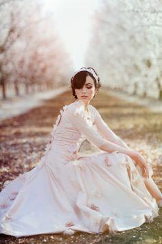 pink and cream with dreamy light modernromance  http://media-cache6.pinterest.com/upload/222013456600459085_AbkuVvEY_f.jpg