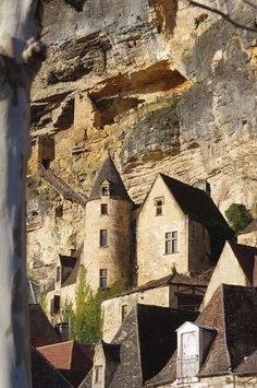 """La Roque-Gageac is a commune in the Dordogne department in Aquitaine, southwestern France. Perched above the Dordogne River, the village is a member of the Les Plus Beaux Villages de France (""""The most beautiful villages of France"""") association. Places Around The World, Oh The Places You'll Go, Places To Travel, Places To Visit, Around The Worlds, Beautiful World, Beautiful Places, La Roque Gageac, Belle France"""