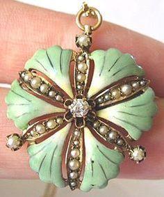 Ginkgo Leaf Pendant/Brooch in 14k Rose Gold