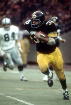 AFC Divisional Playoff, 1972 Pittsburgh Steelers vs. Oakland Raiders - Best endings in NFL history with Franco Harris picking the deflected pass (intended for John Fuqua) and heading to the end zone for the 13-7 victory.