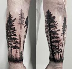 tatouage-arbre-paysage-forestier-encre-noire-manchette-homme
