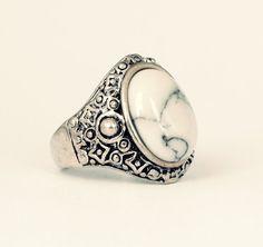 Tibetan Bohemian White Stone Ring -Vintage Silver Jewellery- Boho Aztec Armour Festival Style - Thumb Rings - Gemstone - US Size 7 / 8