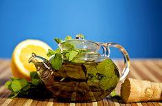 Napi 4 pohár fogyasztó tea, és leolvadnak a kilók - Hogy készítsd el? - Fogyókúra | Femina Kili, Moscow Mule Mugs, Minion, Aloe Vera, Health Tips, Tea Pots, Drinks, Tableware, Blog