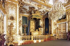 King Ludwig II of Bavaria's Bedroom :: Neues Schloss Herrenchiemsee :: Chiemgau :: Bavaria :: Germany Palace Tour, New Palace, Royal Palace, Versailles, Castle Bedroom, Parks, Palace Interior, Palace Garden, Germany Castles