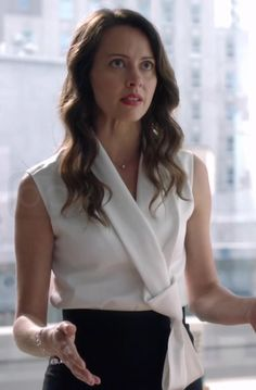 Esther Litt in Suits S05E07