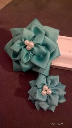 DIY - pince fleurs satin et perles