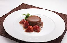 Cinnamon Glazed Strawberries with Chocolate Panna Cotta - strawberries & chocolate, a perfect combination! #wellpictberries