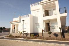2 Bedroom Bungalow in Torrevieja € 99,000 www.fiestaproperties.com