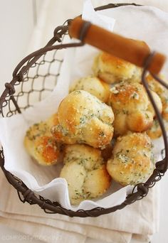 Quick & Easy Garlic Parmesan Knots – Fluffy soft, delicious garlic knots made in 10 minutes - just 3 ingredients (plus some spices) and no rising required. So easy! | thecomfortofcooking.com