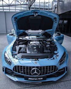 2018 Mercedes-AMG GT-R ChinaBlue Edition