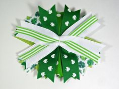 Stacked St. Patrick's Day Bow - The Ribbon Retreat Blog