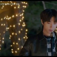 True Beauty episode 8. His friend wanted him to sing but he refused but when it comes to Jukyung, he goes for it TT. #truebeauty #hanseojun