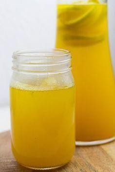 Kurkuma-Tee gegen kaltes Wetter und Erkältungen
