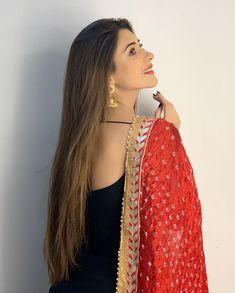 """Jumma Mubarak ♥️""~{{😘Pintrest by Pakistani Fashion Casual, Pakistani Dresses Casual, Indian Fashion Dresses, Dress Indian Style, Indian Designer Outfits, Indian Outfits, Fashion Outfits, Indian Clothes, 80s Fashion"