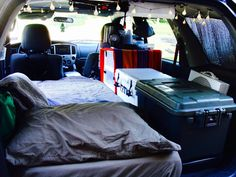 This artist shows how he built out his Mazda Tribute SUV as a cozy camper. Stealth Camping, Minivan Camping, Truck Camping, Auto Camping, Stealth Camper Van, Mazda, Suv Camper, Camper Life, Rv Mods