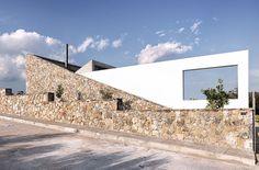Εξοχική κατοικία στο Αλιβέρι Αρχιτέκτονες Ναταλία Κοκοσαλάκη Πηγή: www.lifo.gr Φωτ.: Δημήτρης Κλεάνθης