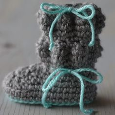 These adorable and sweet baby boots are sure to keep your little one warm and cozy. Get the free crochet pattern here. thanks so xox