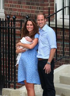 Royal Baby Debut: The Prince of Cambridge Makes His Debut with the Duke & Duchess. Kate & William in good spirits outside of hospital.