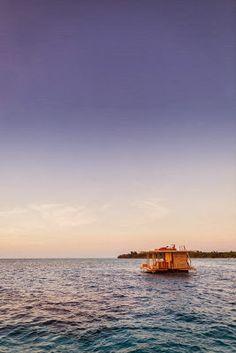 hotel avec une chambre sous marine flottante 3   un hotel avec une chambre sous marine flottante   zanzibar sous marin photo image hotel cha...