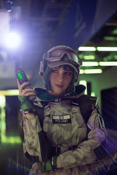 Ela cosplay Rainbow Six Siege Anime, Rainbow 6 Seige, Rainbow Six Siege Memes, Tom Clancy's Rainbow Six, Rainbow Sky, Belle Cosplay, Halo Cosplay, Cosplay Girls, R6 Siege Operators