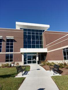 University of Missouri Hospital Local Hospitals, Missouri, University, Mansions, House Styles, Life, Home Decor, Luxury Houses, Interior Design