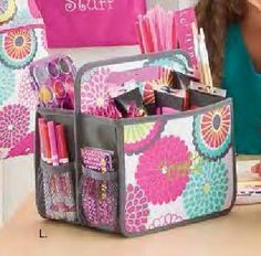 #ClippedOnIssuu from Thirty-One Gifts 2015 Spring-Summer Collection (US) www.dianesbags.com Shop gone but not forgotten.