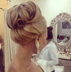Gorgeous top knot!
