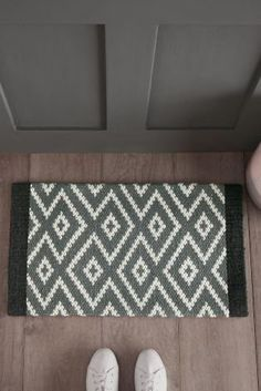 Make your entrance a stylish one with funky door mats. While keeping the dirt out, front door mats make for a stylish option. Next day delivery & free returns available. Hotel Carpet, Front Door Mats, Front Doors, Hallway Storage, Furniture Placement, Modern Carpet, Living Room Carpet, Carpet Runner, Decorating Tips
