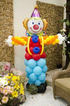 balões em palhaço
