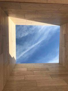 Framing the sky #underconstruction #villa #travertine #amman #jordan #architecture #design #jordanarchitecture #travertine #design #sky #beauty #homearchitecture #framing #architect #house #jordansdaily #architecturelovers #archdaily #architecturephotography